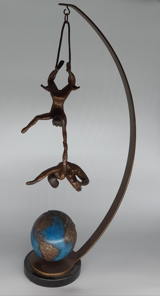 Hanging In The Balance, Bronze